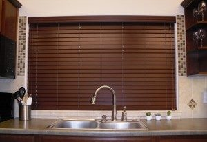 faux wood blinds and real wood blinds in Anchorage
